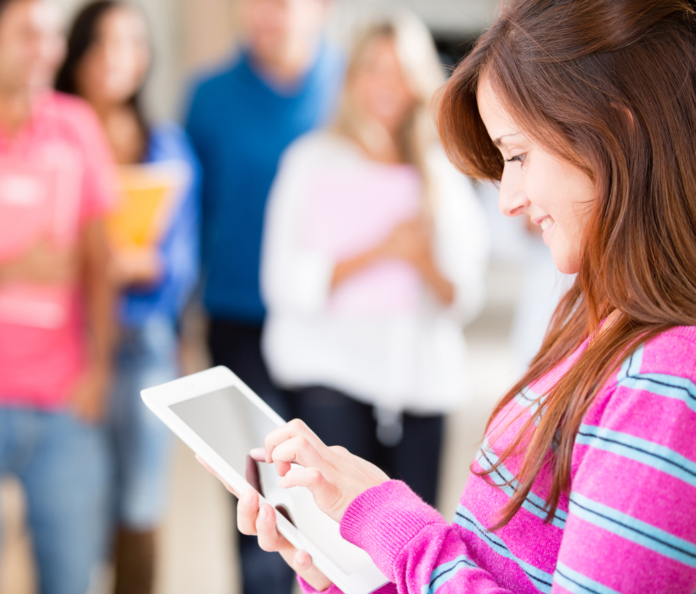 can students study better using a tablet Tablets have a touch screen function or a pen-enabled interface tablet application also entertains the users tablets vs textbooks a controversial issue around the world today is whether or not students should use since it has been recognized for its usefulness and utility, many students study and.