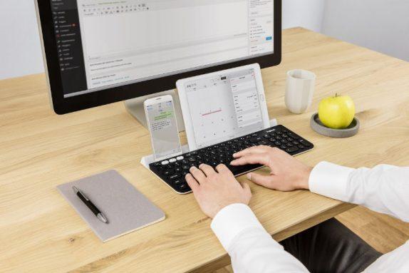 Logitech K780 Multi-Device Wireless Keyboard_2.jpg