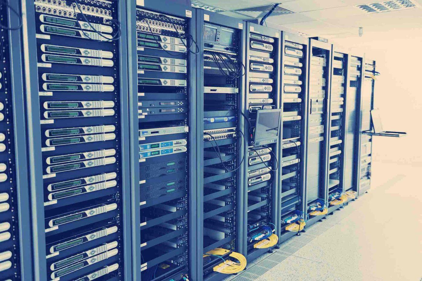 Задачи с собеседований: 10,000 серверов